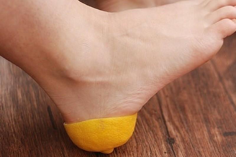 лимон от трещин на пятках